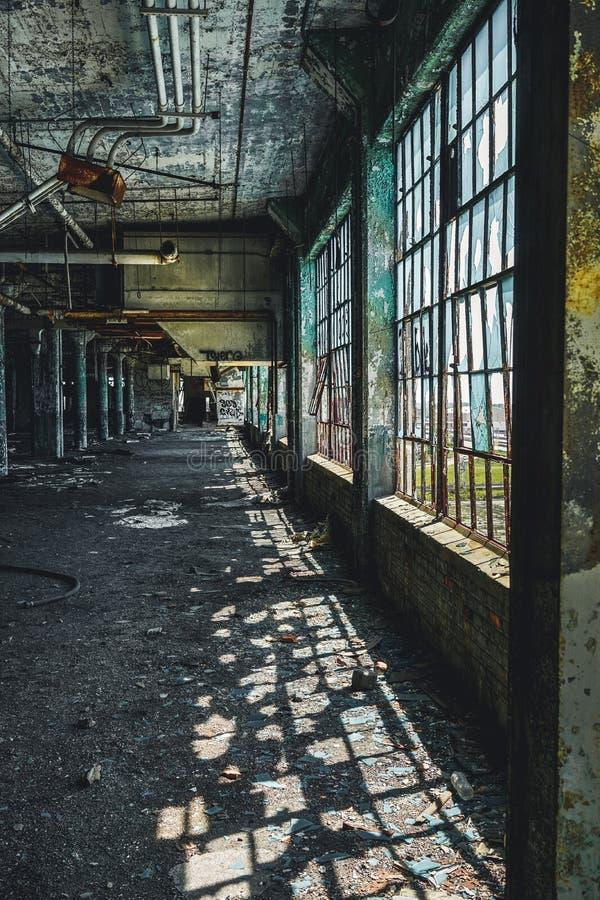 Detroit, Michigan, Stati Uniti - 18 ottobre 2018: Punto di vista di Fisher Body Plant abbandonato a Detroit Fisher Body immagini stock