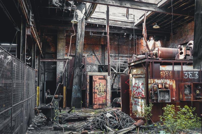 Detroit, Michigan, Stati Uniti - 18 ottobre 2018: Punto di vista di Gray Iron Factory abbandonato a Detroit Detroit grigia immagine stock