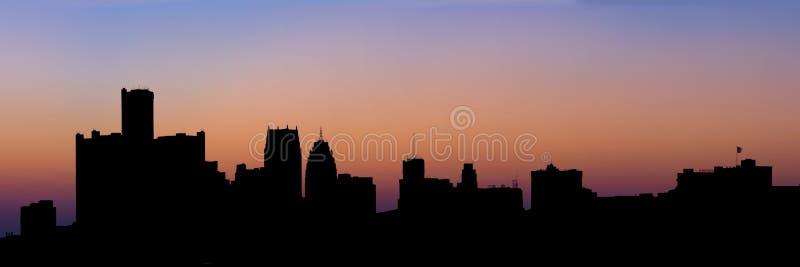 detroit panorama- silhouettehorisont arkivbild