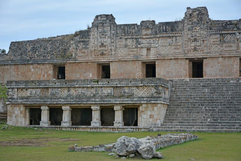 Dettagli architettonici della costruzione del monastero in Uxmal yucatan fotografia stock libera da diritti