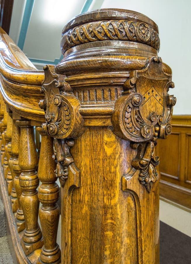 Dettagli architettonici della lavorazione del legno immagini stock