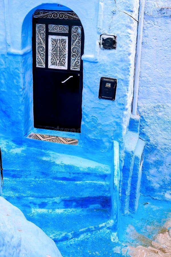 Dettagli architettonici marocchini tradizionali in Chefchaouen Marocco, Africa fotografia stock