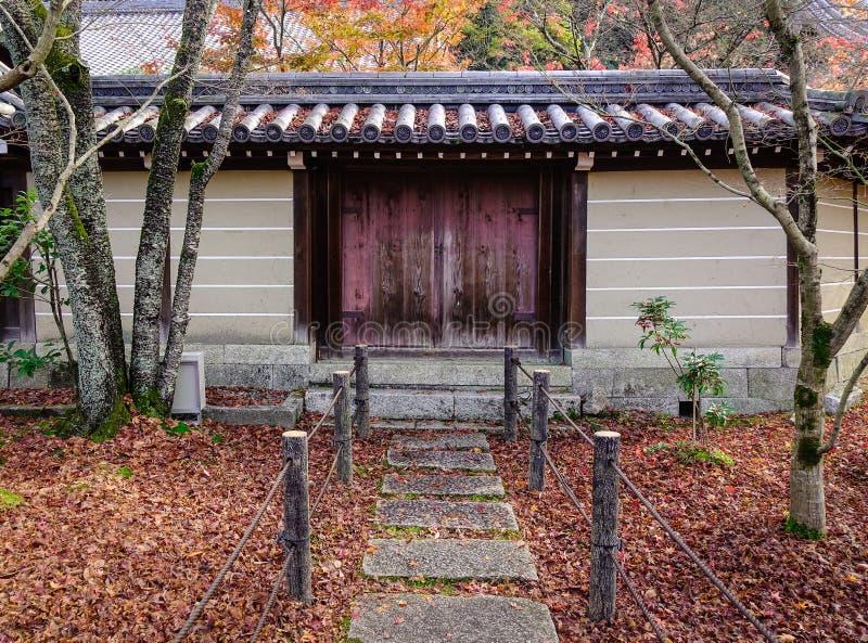 Dettagli del santuario shintoista a Kyoto, Giappone fotografie stock libere da diritti