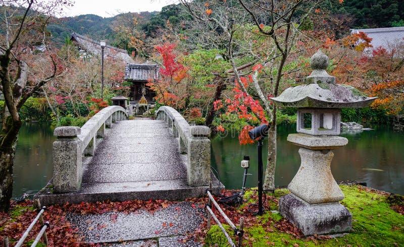 Dettagli del santuario shintoista a Kyoto, Giappone immagine stock