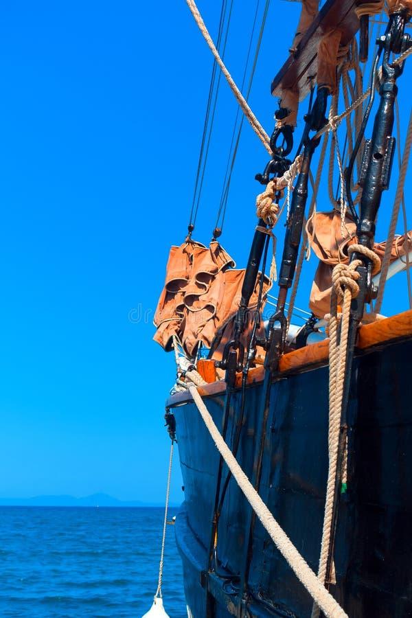 Dettagli della barca tradizionale nell'isola di Corfù immagine stock libera da diritti