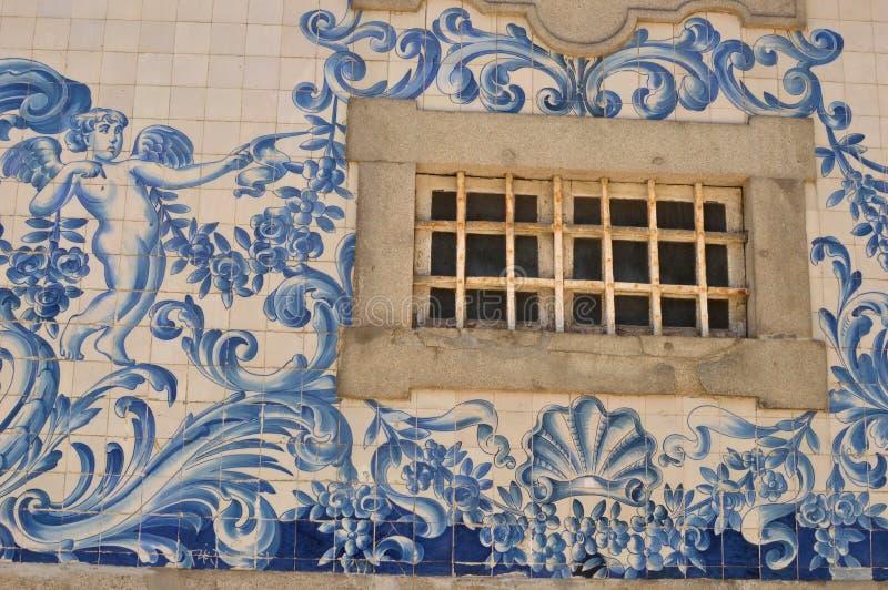 Dettagli delle finestre di Oporto fotografia stock