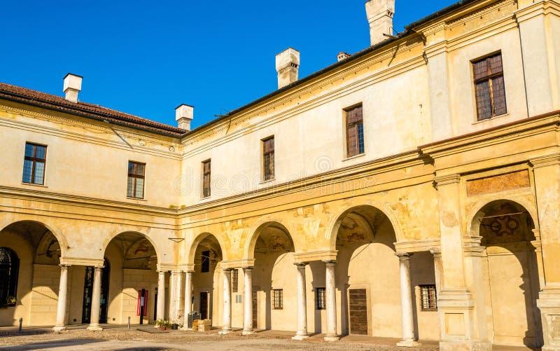 Dettagli di Palazzo Ducale sulla piazza Castello a Mantova immagini stock