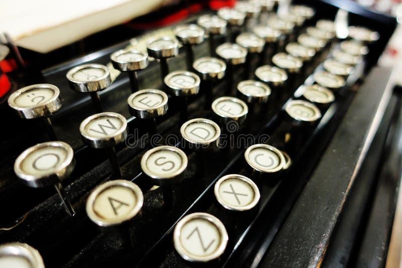 Dettagli di vecchia retro macchina da scrivere fotografia stock libera da diritti
