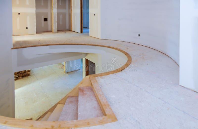 Dettagli interni del nastro e di rivestimento del muro a secco della costruzione della casa di edilizia della costruzione fotografia stock libera da diritti