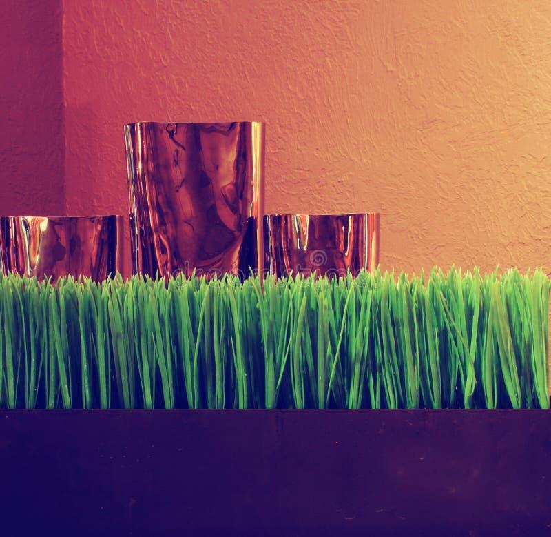 Dettagli la vista di una tavola di legno della casa con un elegante e immagini stock