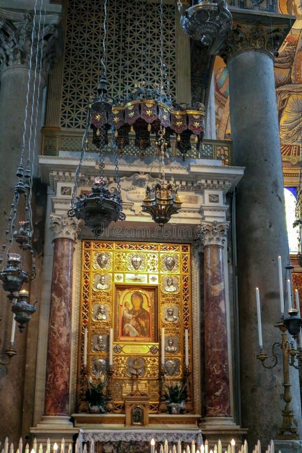 All'interno Della Cattedrale Di Pisa Fotografia Stock ...