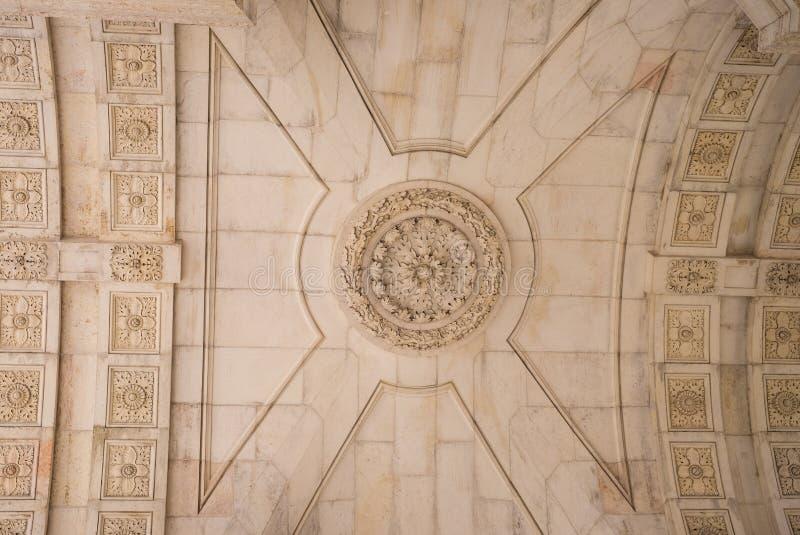 Dettaglia l'interno storico di Augusta dell'arco del soffitto, Lisbona immagini stock libere da diritti