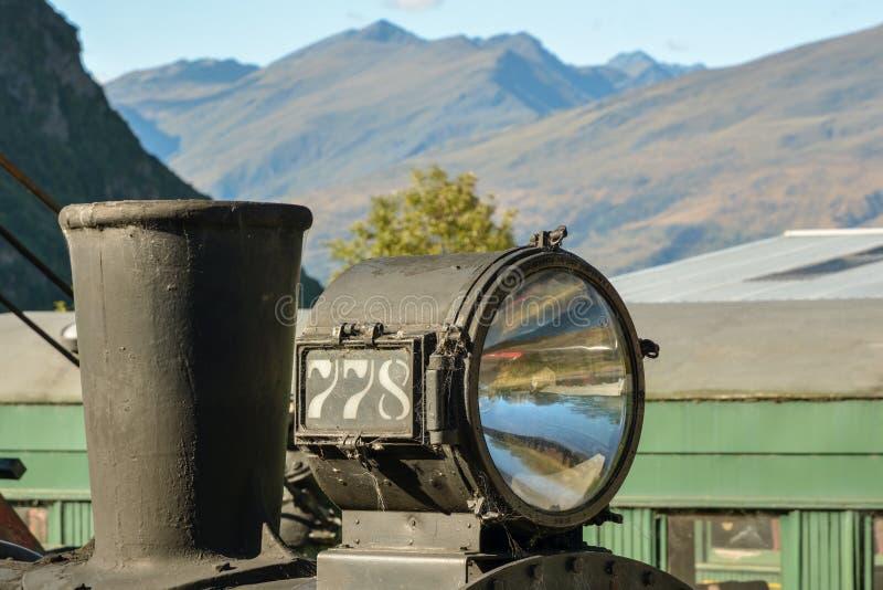 Dettagliato consideri il vecchio motore a vapore arrugginito 778 nel mezzo del nulla immagine stock libera da diritti