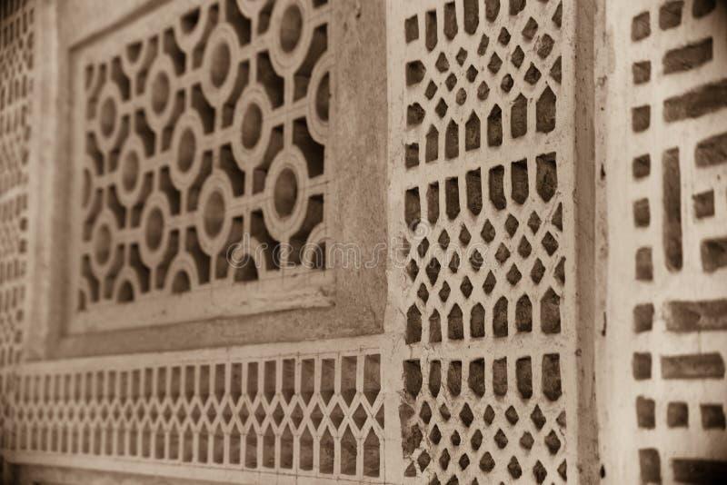 Dettaglio arabo tradizionale della grata della casa immagini stock libere da diritti