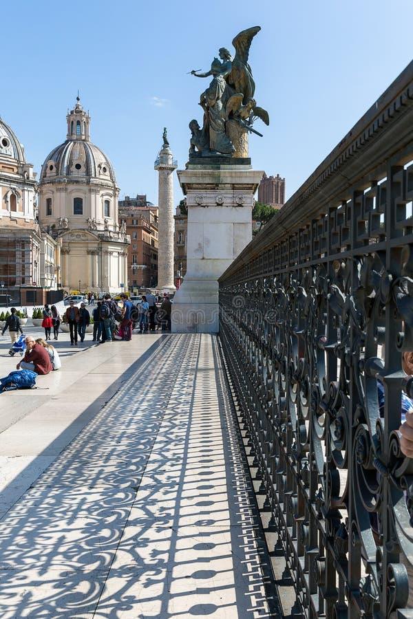 Dettaglio architettonico del monumento nazionale a Victor Emmanuel II, fotografie stock libere da diritti