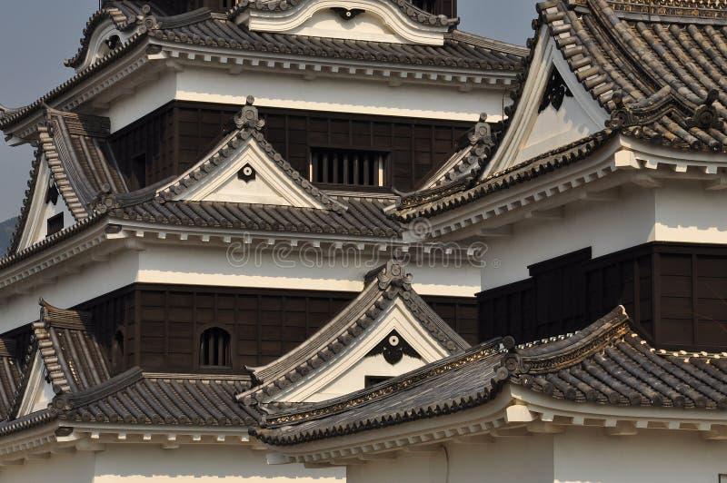 Dettaglio architettonico del tetto del castello giapponese fotografia stock libera da diritti