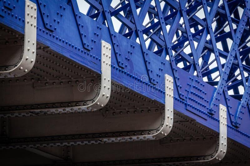 Dettaglio blu del ponte fotografia stock libera da diritti