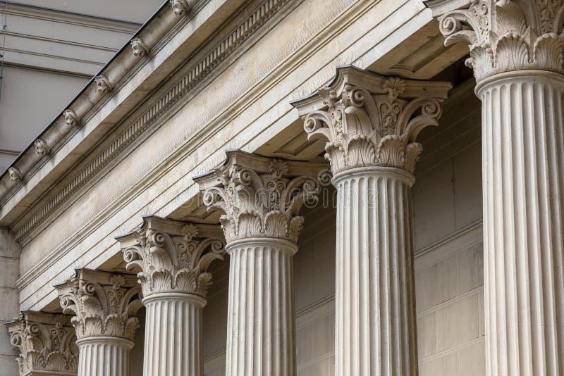 Dettaglio classico antico di architettura della colonna di pietra fotografia stock libera da diritti