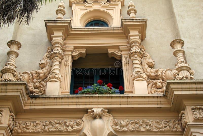 Dettaglio complesso nella scultura storica delle costruzioni in tutto il parco della balboa, San Diego, California, 2016 fotografia stock