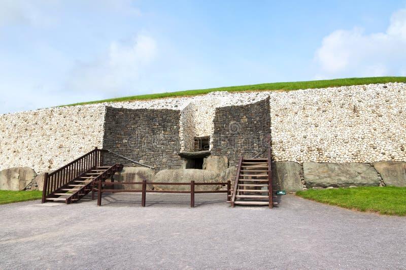 Dettaglio del Newgrange nella valle di Boyne immagini stock