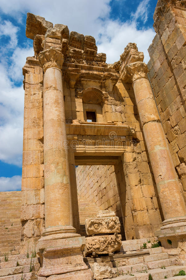 Dettaglio del Nymphaeum Jerash in Giordania fotografia stock