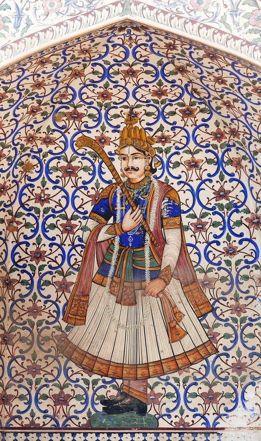 Dettaglio del portone del palazzo della città antica nello stile di Mughal a Jaipur, India fotografie stock