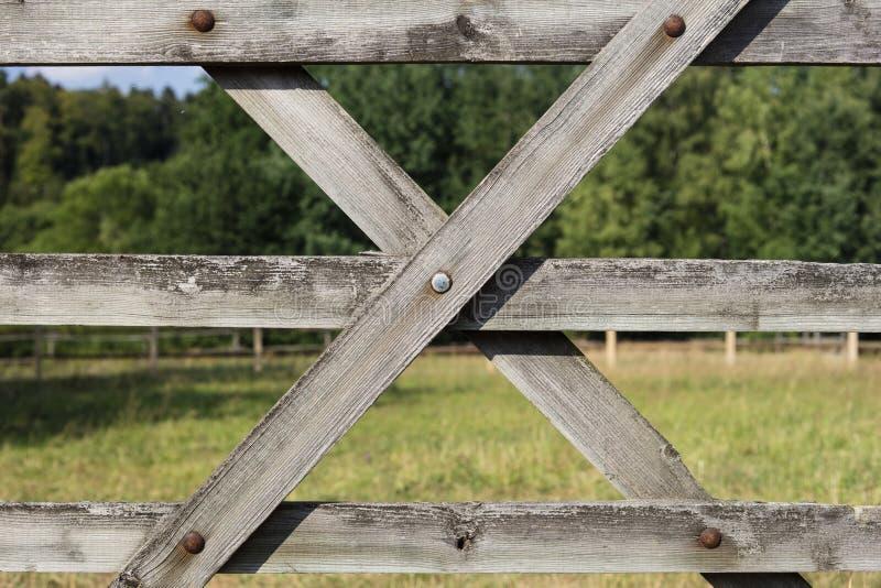 Dettaglio del recinto chiuso del cavallo e del recinto di legno fotografia stock