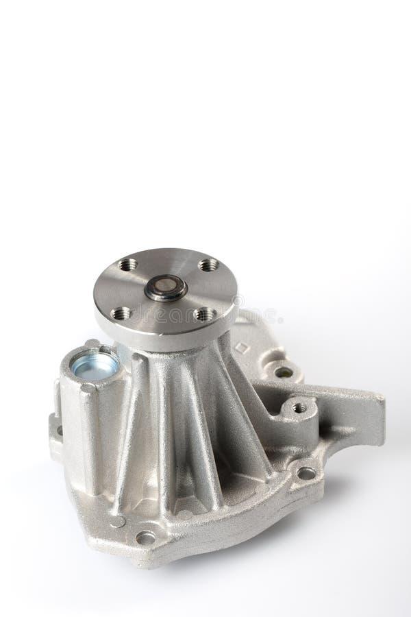 Dettaglio dell'interno della pompa idraulica del motore di un'automobile della benzina isolata fotografia stock libera da diritti