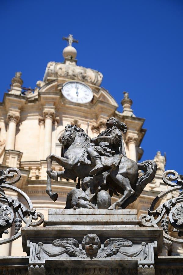 Dettaglio della cattedrale di San Giorgio, Ragusa Ibla, Italia fotografie stock