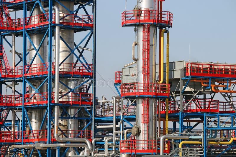 Dettaglio della centrale petrolchimica della raffineria immagine stock