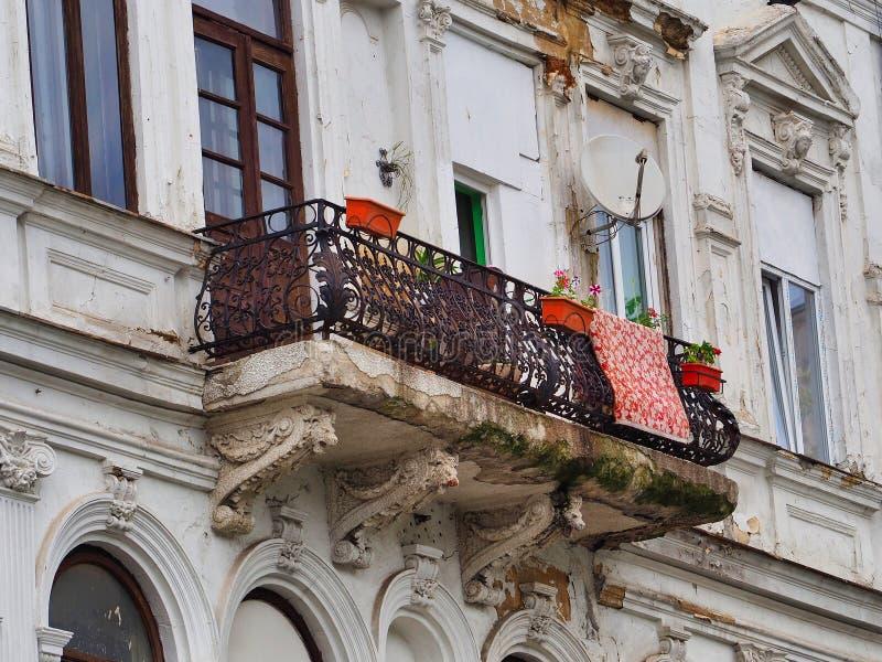 Dettaglio della costruzione di appartamento storica, Bucarest, Romania fotografia stock libera da diritti