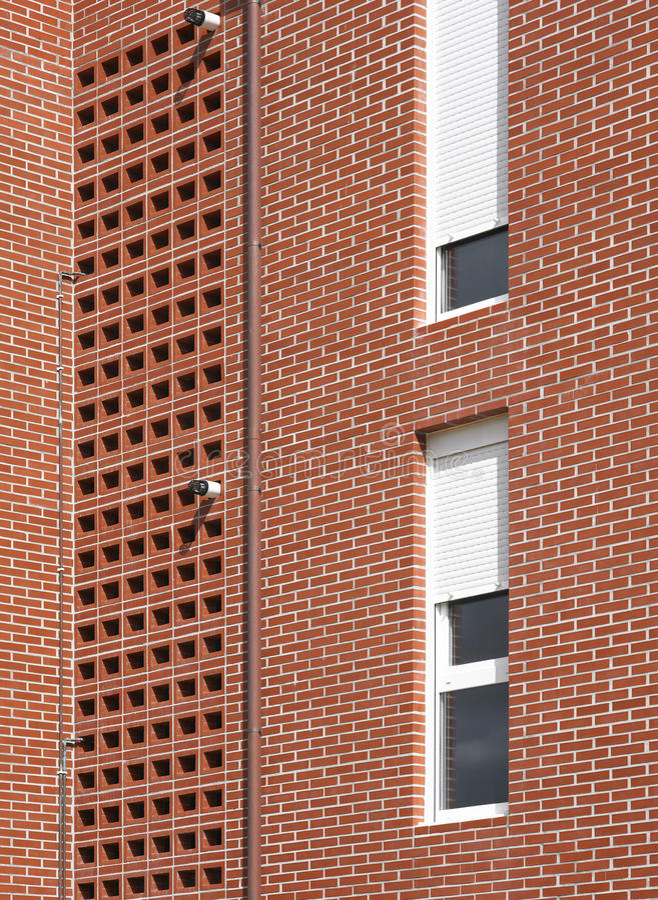 Dettaglio della facciata dell 39 edificio residenziale con i for Costo della costruzione dell edificio