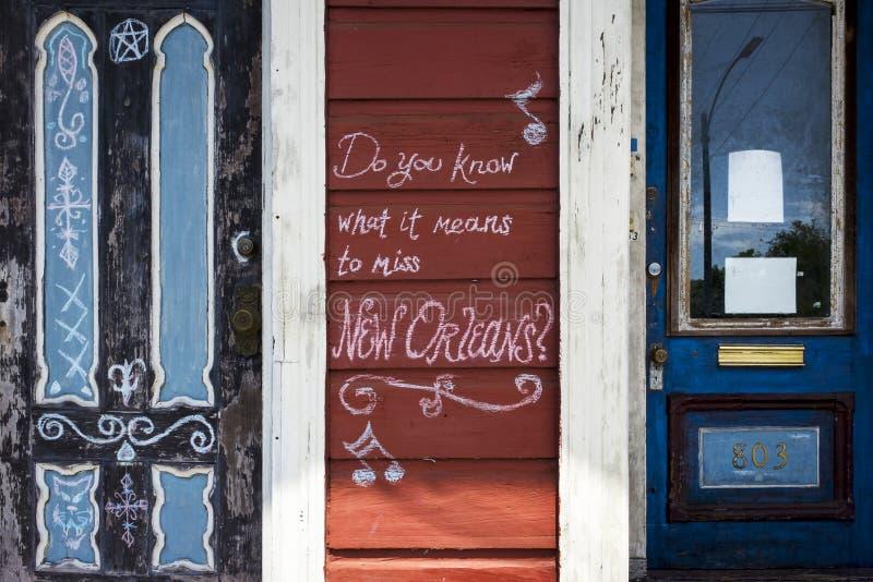 Dettaglio della facciata di vecchia casa nella vicinanza di Marigny nella città di New Orleans, Luisiana immagini stock libere da diritti