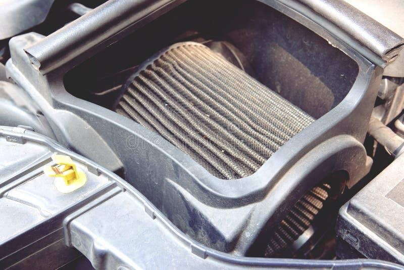 Dettaglio della fine del fondo di filtro dell'aria dell'automobile su fotografia stock