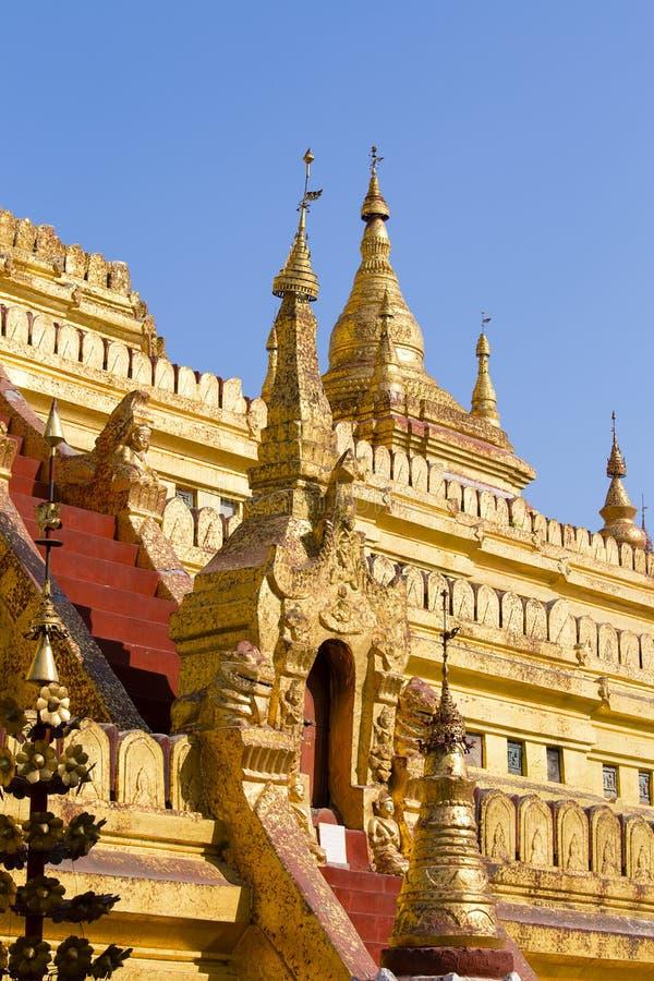 Dettaglio della pagoda dorata di Shwedagon, Rangoon, Myanmar, Birmania immagine stock