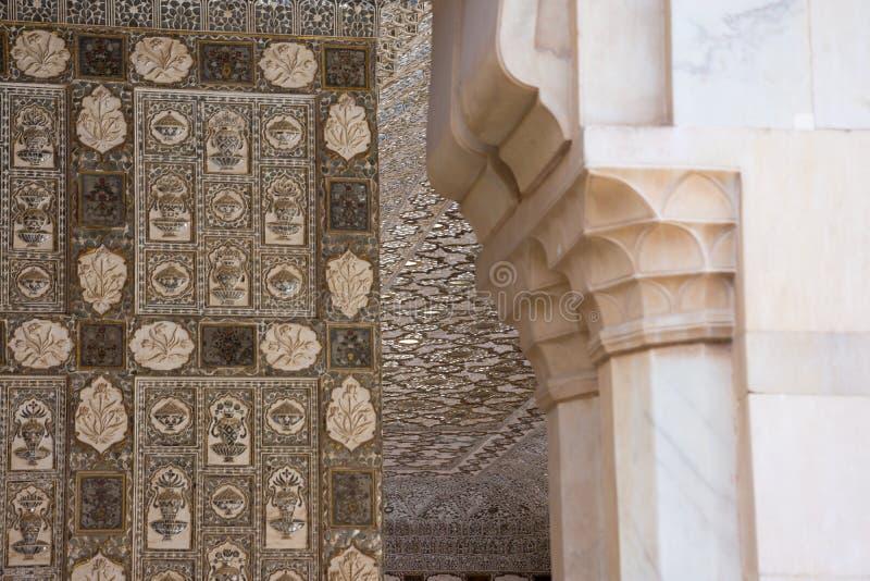 Dettaglio della parete del palazzo di irror di Joipur in India immagine stock libera da diritti