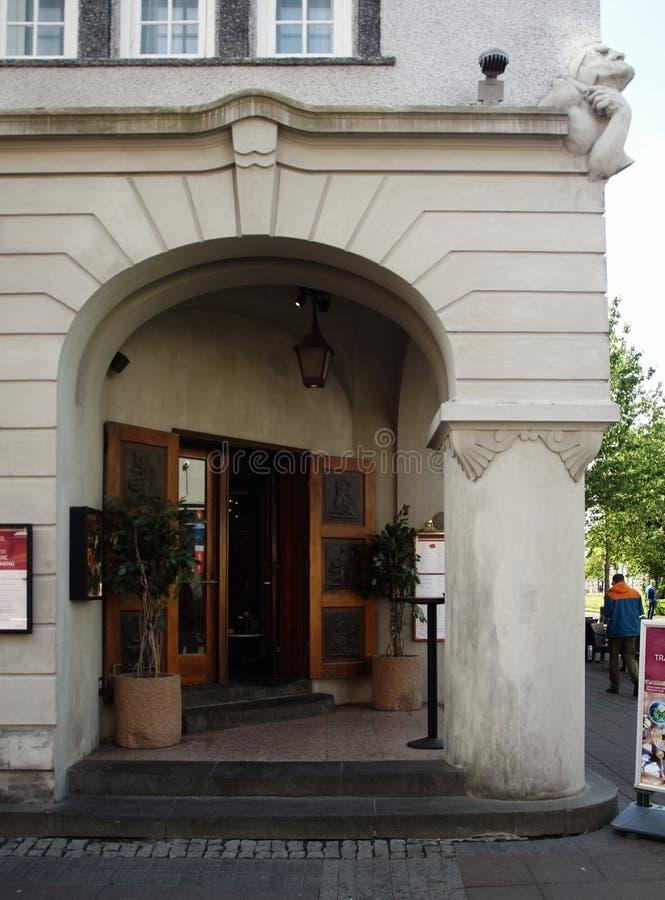Dettaglio della progettazione dell'angolo della facciata della casa nello stile di Art Nouveau fotografia stock