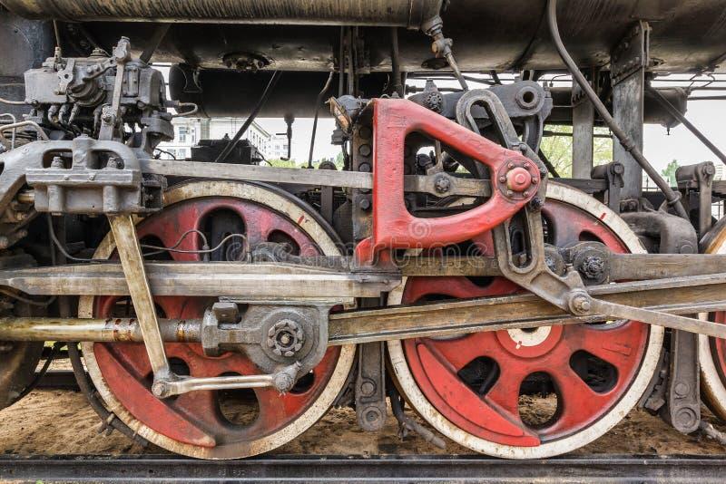 Dettaglio della ruota di una locomotiva del treno a vapore fotografie stock libere da diritti