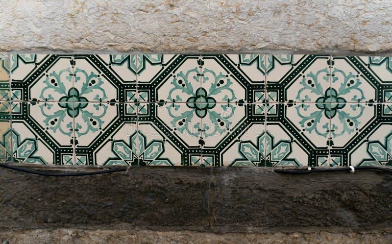 Dettaglio delle piastrelle di ceramica a Lisbona, Portogallo immagini stock libere da diritti