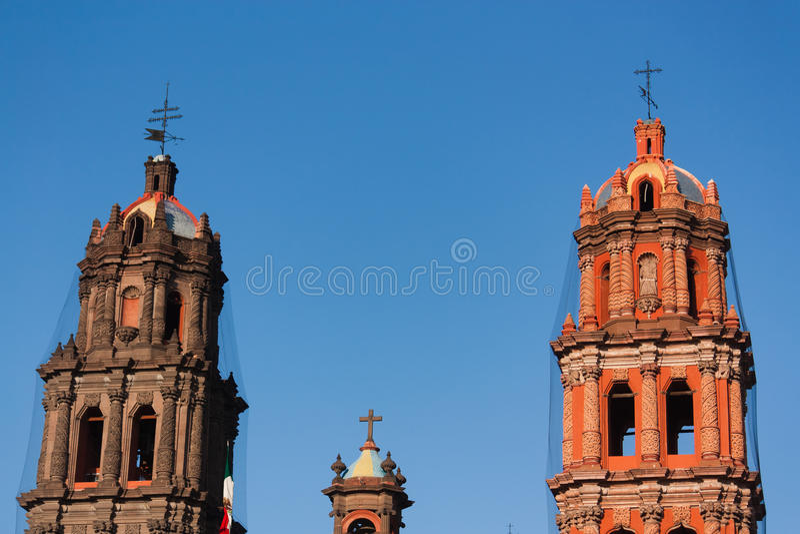 Dettaglio delle torri della cattedrale in San Luis Potosi fotografia stock libera da diritti