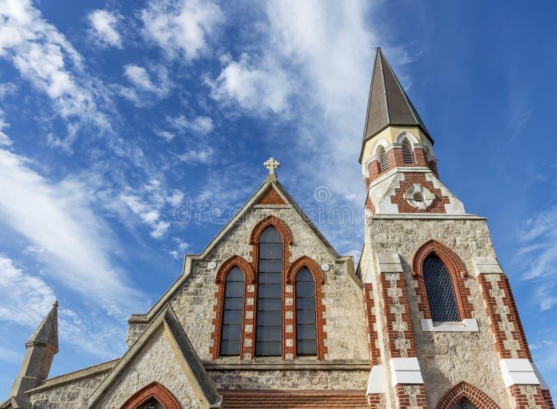 Dettaglio di bella chiesa presbiteriana scozzese, Fremantle, Australia occidentale contro un cielo drammatico fotografia stock