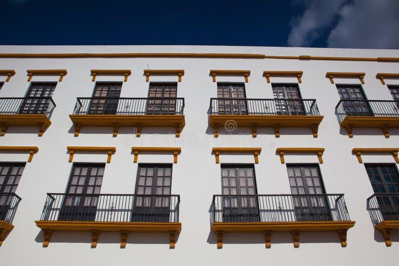 Dettaglio di costruzione coloniale tipica in Campeche, Messico fotografie stock libere da diritti