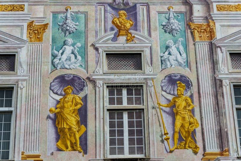 Dettaglio di Palazzo San Giorgio a Genova, Italia fotografia stock libera da diritti