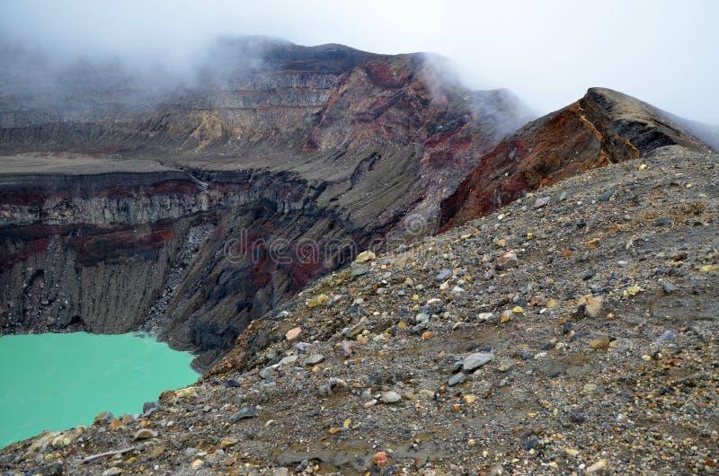 Dettaglio di un cratere nella foschia, vulcano di Santa Ana immagini stock libere da diritti