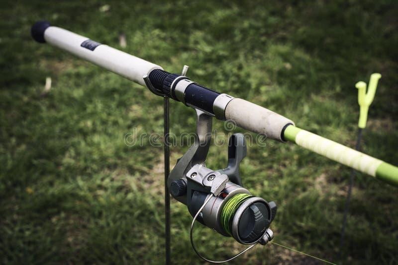 Download Dettaglio Di Una Bobina Di Pesca Fotografia Stock - Immagine di pesca, strumento: 30826598