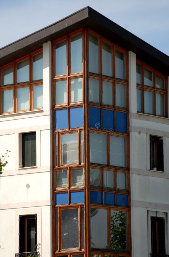 dettaglio di una casa moderna in abano terme nella