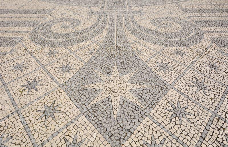 Dettaglio di una pavimentazione del ciottolo - Lisbona, Portogallo fotografie stock