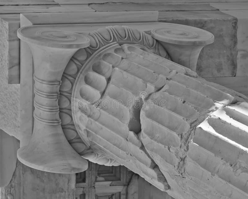 Dettaglio ionico della colonna di ordine del greco antico fotografie stock libere da diritti