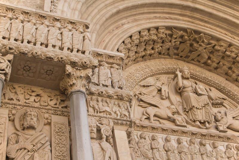 Dettaglio portale della st Trophime (Arles, Francia) fotografia stock libera da diritti