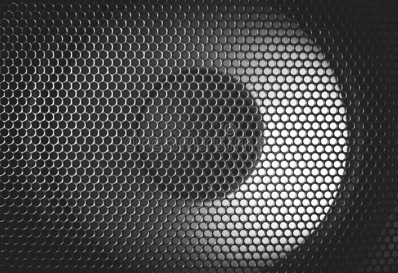Dettaglio sparato di alcuni altoparlanti rotondi Struttura della griglia dell'altoparlante fotografie stock libere da diritti